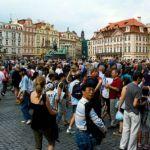 Καταρρίπτεται – Πόσο ΖΩΑ πια; 6000 θα αυνανιστούν δημόσια στην πλατεία…