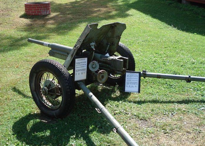 800px-anti-tank_gun_45mm_m1937_parola_5