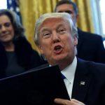 Μεταναστευτικό: Όχι, ο Τραμπ δεν υπέγραψε το ίδιο κείμενο που είχε υπογράψει ο Ομπάμα το 2013
