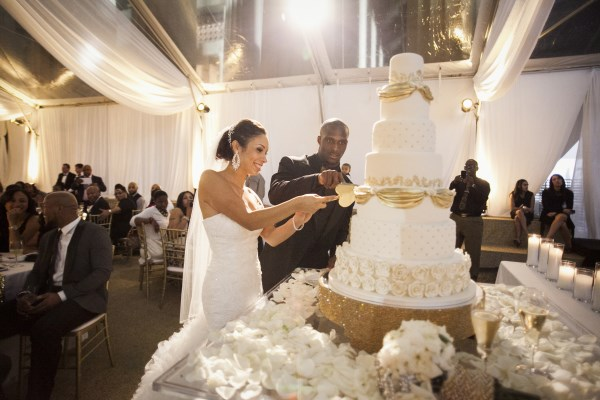 cake cutting, nashville weddings