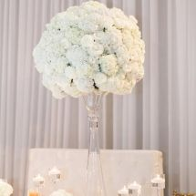 white centerpiece, decor, roses