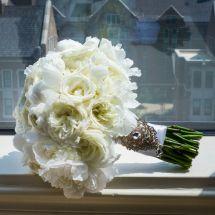 white bouquet, bling, mt. juliet wedding planner