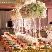 large centerpiece, gold, white