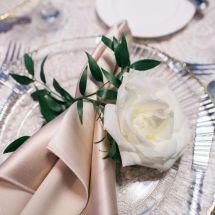 table setting, napkin, rose, detail