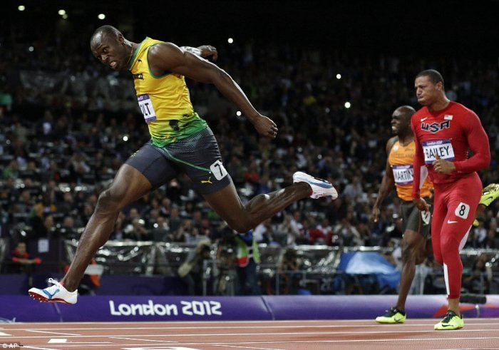 Usain-Bolt-100M-Sprint-Olympic-Gold-Medal-Sometimes-I-Train