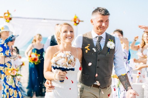 ellwed Real-crete-wedding-maria-tomasz-2016-14 Maritime Beach Wedding in Crete with a Very Special Bridal Bouquet