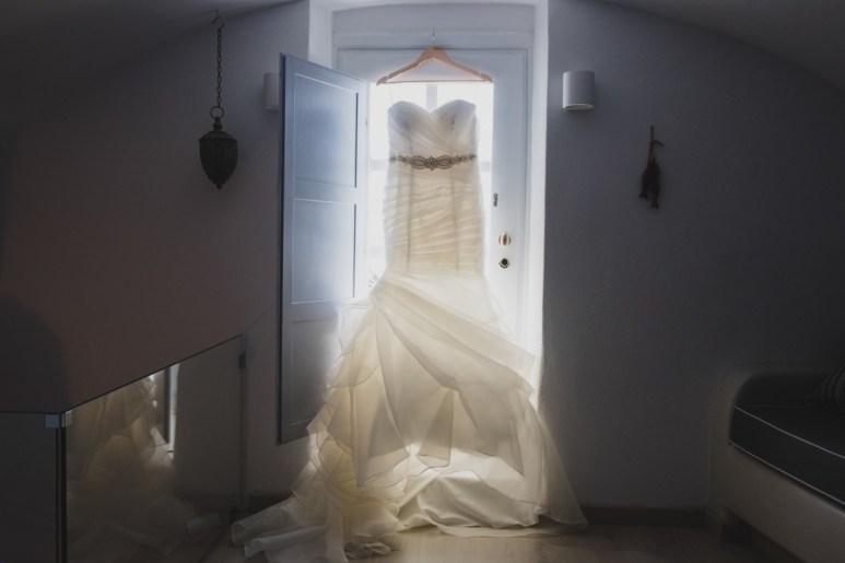 ellwed BenWyattPhotography-1 Blush and Gold Luxury Chic Santorini Wedding