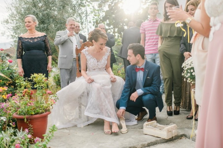 ellwed sofia_george_mirror_sg316_low Greek Spring Inspired Wedding with Tulips in Tyrnavos