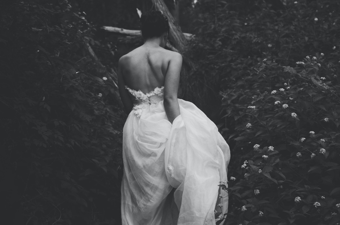 Bride Running in the forest Live Streaming her wedding in Greece