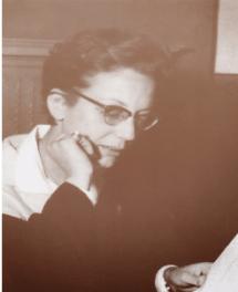 الدكتورة عائشة راتب ( 1928 – 2013 )