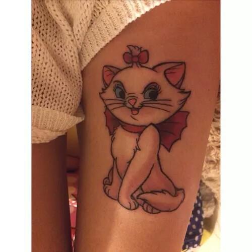 "Tatuaje de la gatita Marie de la película ""Los Aristogatos"""