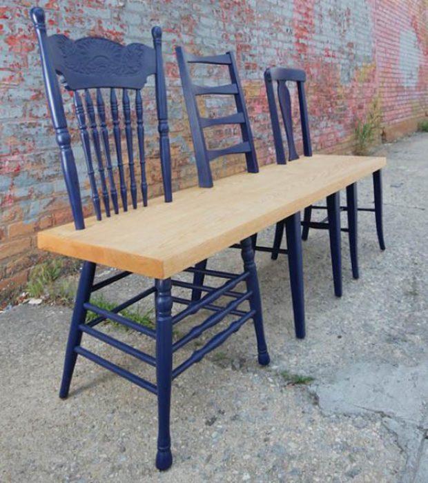 banca hecha de sillas