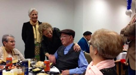 La alcaldesa de Torrent pasó la Nochebuena con los mayores