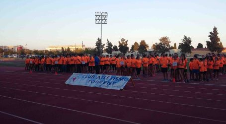 350 atletas arrancan la nueva temporada en el Club de Atletismo de Torrent
