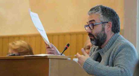 Compromís per Paterna aposta per la educació per a acabar amb les caques dels gossos en el carrer
