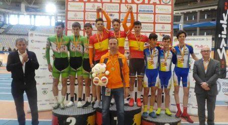 El vecino de Mislata y ciclista Mikel Montoro, campeón de España en pista cubierta en velocidad por equipos