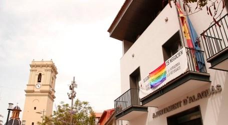 Alaquàs cuelga la bandera Gay en el balcón del Ayuntamiento