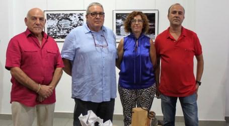 Rafelbunyol acull una exposició d'escultura i fotografia