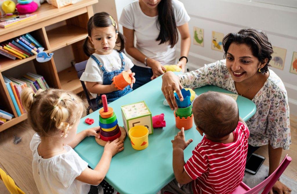 preschoolers and teacher
