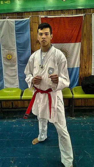 Carlos Marcos Gigena es su sensei, con el que entrena hace más de 2 años.
