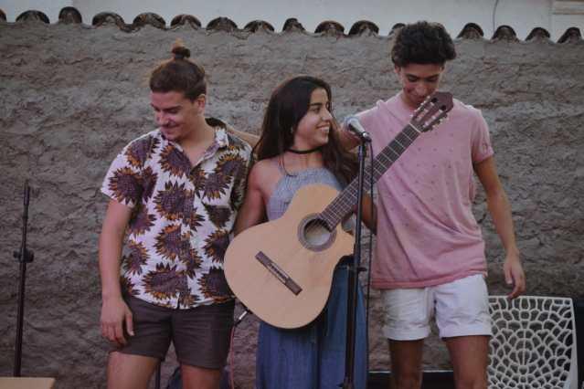 """""""Ramé"""", el joven trío musical de Mendiolaza 5"""