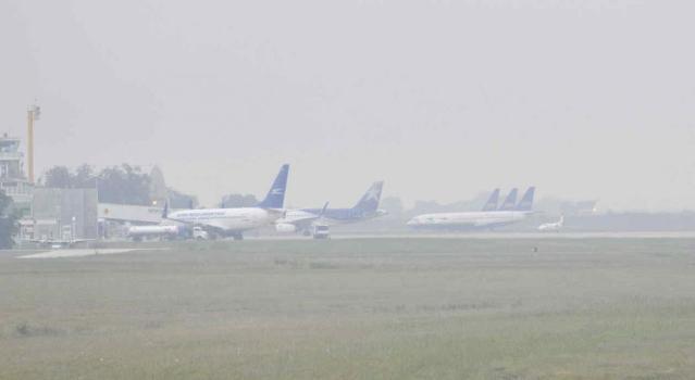 El aeropuerto cerrado por neblina 1