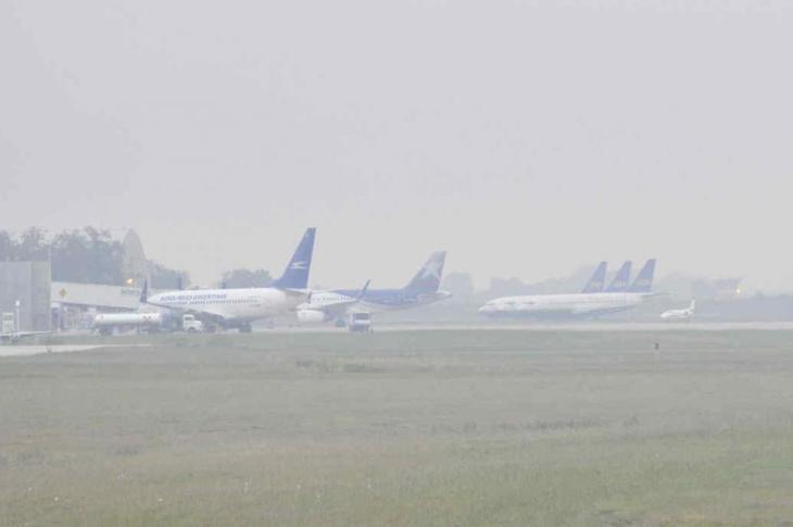 El aeropuerto cerrado por neblina 9