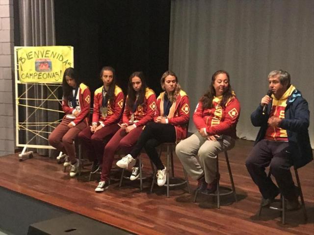 Reconocen al Equipo Femenino de Atletismo de un colegio de Villa Allende 5