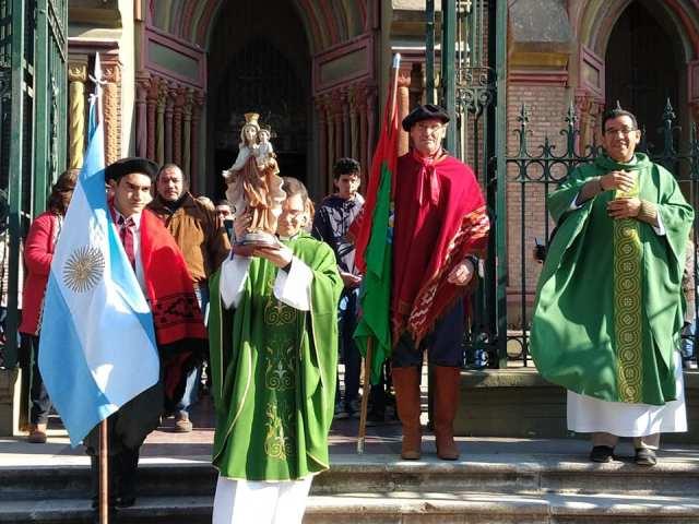 Emocionante inicio de las Fiestas Patronales en Villa Allende 5
