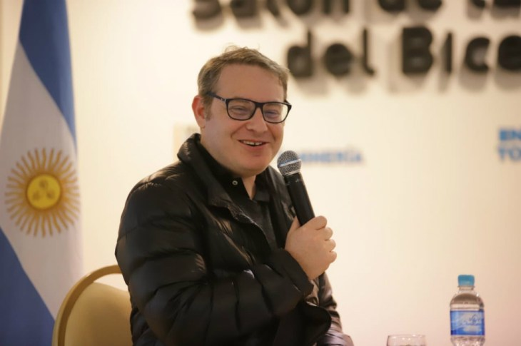 Axel Kuschevatzky asegura que las series y el streaming no terminarán con el cine 5