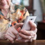 Cepram ofrece acompañamiento telefónico a personas mayores en época de cuarentena