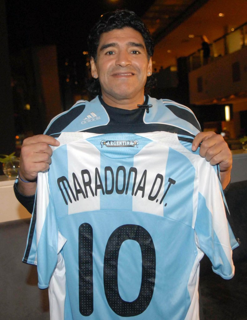 Buenos Aires: Fotografía de archivo del 27/07/2010 de Diego Armando Maradona, quien cumple 60 años mañana. Foto:  Foto: Alejandro Belvedere/Archivo Télam/cbri 29102020