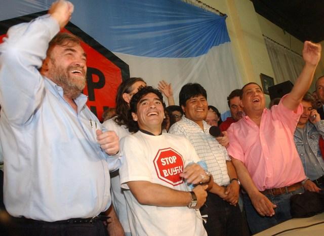 Buenos Aires: Fotografía de archivo del día 03/11/2005 de Diego Armando Maradona, quien cumple 60 años mañana.  Foto:Jose Manuel Fernandez/Telam/cf