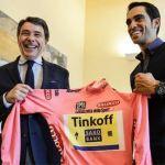 El campeón Contador llega a Madrid