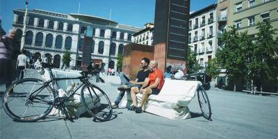 Madrid busca nuevos bancos para sus calles y plazas.