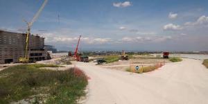 A la derecha, las nuevas gradas que están ya preparadas para ser incorporadas al anexo que FCC ha construido en La Peineta