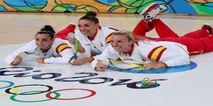 Laura Quevedo, en el centro de la imagen