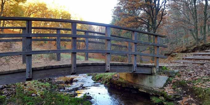 Puente sobre Garganta de la Yedra ruta castañar del tiemblo