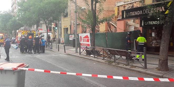 Desalojo Calle Alcalá 143 Bomberos