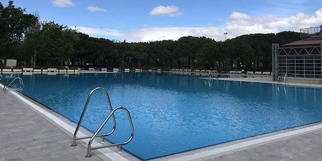 piscina aluche