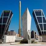 Un hombre se suicida en Plaza de Castilla tras matar a dos familiares