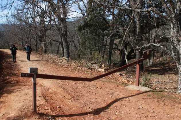 ruta cascada aljibe sendero valla