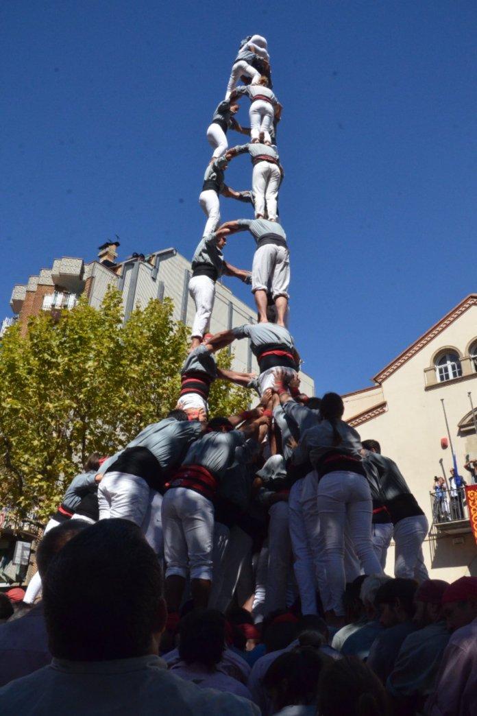 3 de 9 amb folre dels Castellers de Sants / Foto: Twitter dels Castellers de Sants