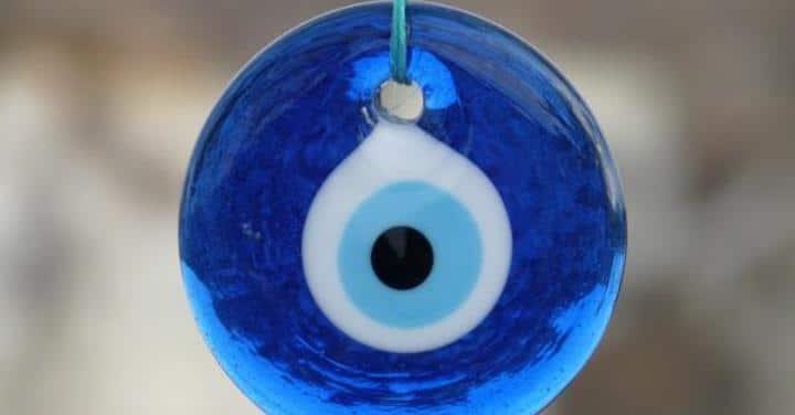 Mal de ojo y amuletos empleados para evitarlo