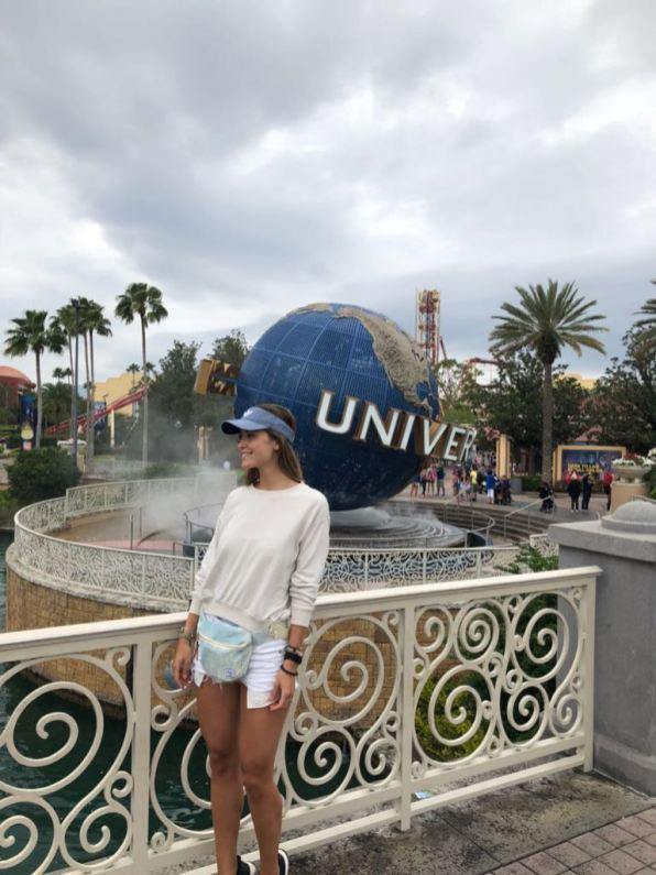 Ana Girault en Universal Studios