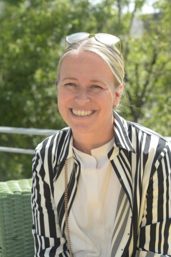 Helle Deppsson