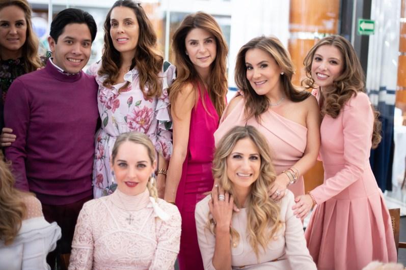 Vanessa Pliego, Gabriel Villaseñor, Luli Vazquez, Yessica Pliego, Silvia Rojo, ana Cecilia Romero, Ceci Maiz, Pixie Devlyn