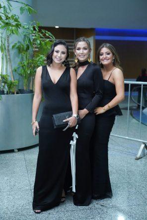 240519 Graduacion del Colegio del Bosque. Centro de Convenciones Santa Fe. Isabel Ojeda, Maite Alvarez y Sofia Serna Fotos : Heptor Arjona