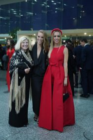 240519 Graduacion del Colegio del Bosque. Centro de Convenciones Santa Fe. Veronica Hool, Diana Hool y Linda Hool Fotos : Heptor Arjona
