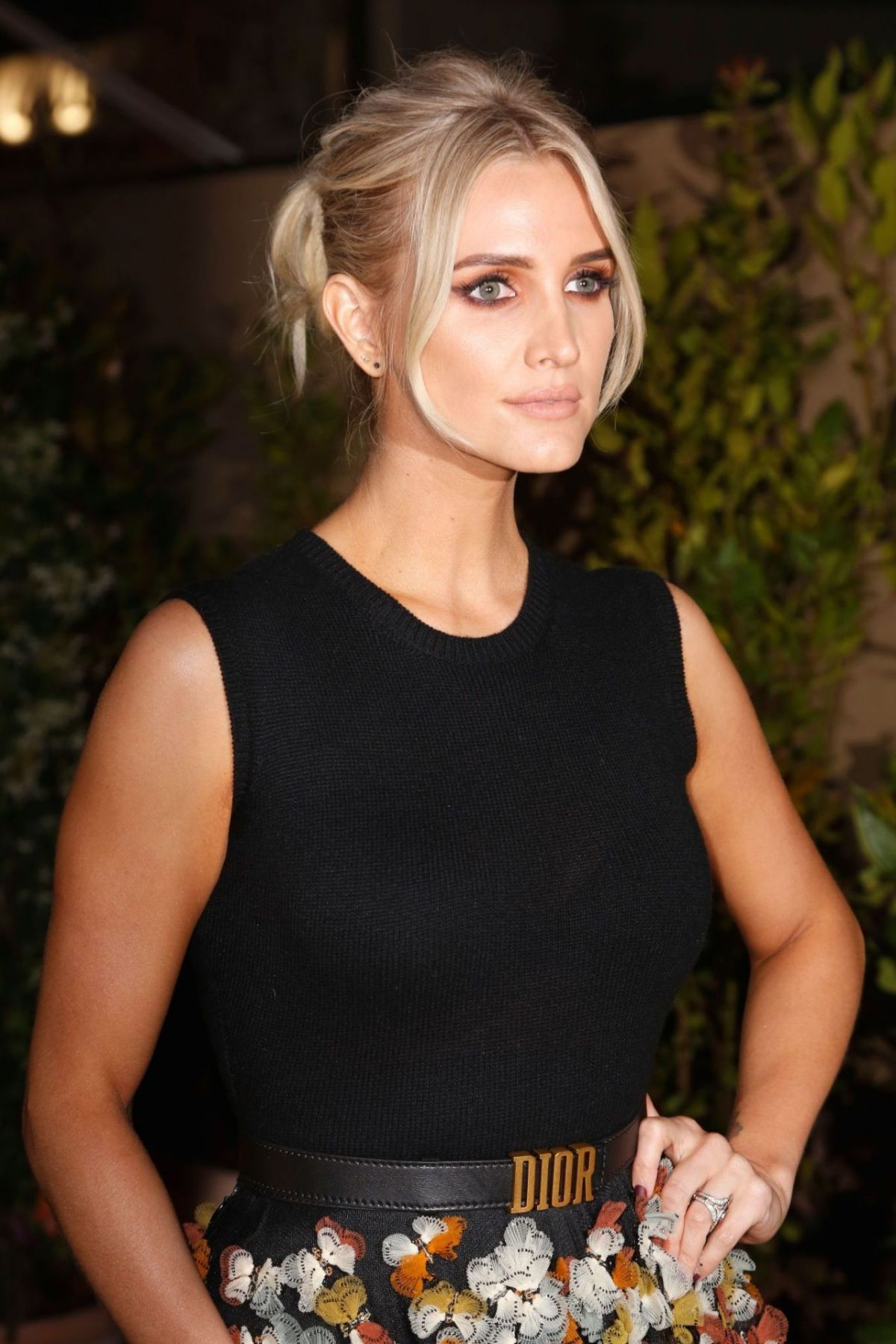 ashlee-simpson-dior-and-vogue-paris-dinner-at-fred-l-ecailler-in-cannes-05-15-2019-5
